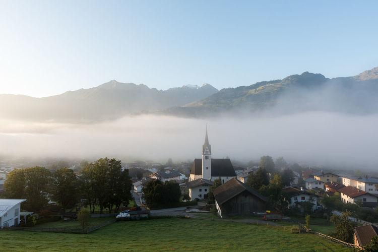 Berge Himmel Hohe Tauern Morgennebel  Nebel Piesendorf Pinzgau Salzburger Land Zum HL Laurentius Morgenstimmung Pfarrkirche Österreich