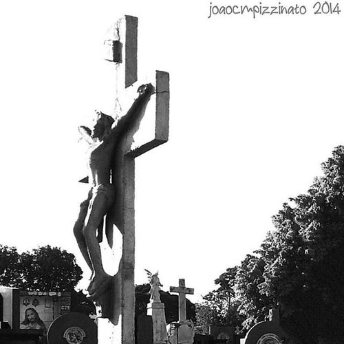 Christ Cross Art Cemetery Urban Blackandwhite City ZonaNorte Sorocaba Brasil Photograph Aj_graveyard Graveyard_dead Taphophiles_only Tv_churchandgraves Church_masters Masters_of_darkness Fa_sacral Tv_urbex Vivoartesacra Grave_gallery Kings_gothic Obscure_of_our_world Talking_statues Igw_gothika dark_captures the_great_gothic_world photography