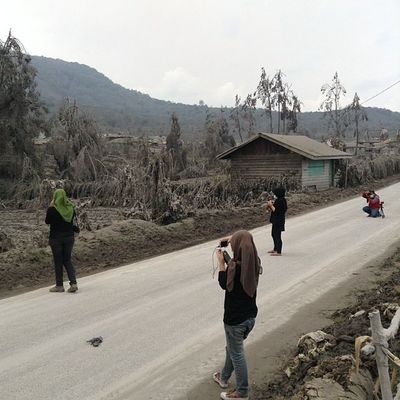 Desa Sigarang-Garang, Kab. Tanah Karo. Radius 10km dari Gunung Sinabung Instanusantara Instanusantaramedan