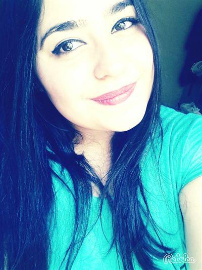 Iyigeceler Yeşillll Gözlerimm Dudaklarımm Gülüsüm 😊😊