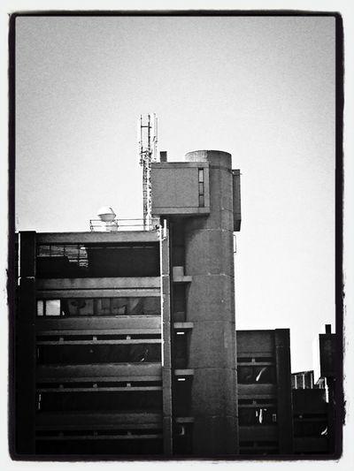 Black & White Genova Transmitting Voices