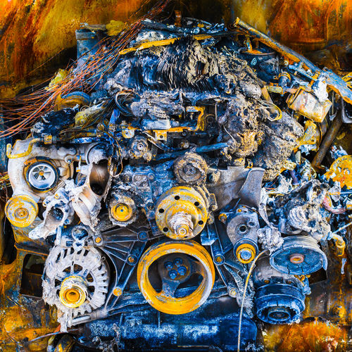 (don't let yourself be) burned out Ausgebrannt Auto Burned Burned Out Car Close-up Cold Engine Feuer Fire Heiß Hot Kalt Machine Maschine Motor Motorblock Multi Colored Nahaufname Verbrannt