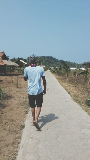 Walking Alone... Walking Enjoying The Sun Alone Relaxing Time INDONESIA Perjalanan Ke Pantai Sawarna Bayah Banten Bandung