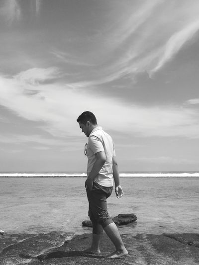 Casual Clothing Vacations Sea Water Beach One Man Only Only Men Horizon Over Water Sand Summer Nature Cloud - Sky Beach Walk Motion Beauty In Nature Semiotica