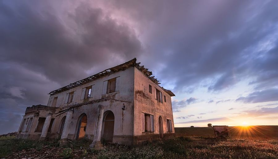 Old abandoned station Sunlight Sky Cloud - Sky Architecture Built Structure Nature Building Exterior Building History Abandoned No People Dusk Sunset Travel Destinations Damaged Deterioration Outdoors The Past Beauty In Nature My Best Travel Photo My Best Photo My Best Photo