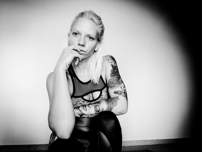 Tattooed Tattoomodels Beautiful Woman Beautiful People Blond Hair Beauty Indoors  Sitting Adult Zoeleggings Mxgirlsforlife
