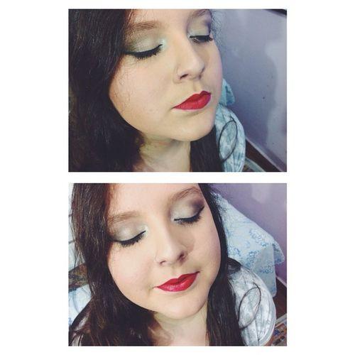 Como amo maquiar. ??? @betahmello Makeup Makeuptalk Makeupartist Maquiagem maquillage instamakeup makeuplovers eyeliner eyelinerlovers redlips mattelips velvetlips dailuspro loreal lorealparis avon macrilan tecnicasdecontorno beauty cute readytogo sister