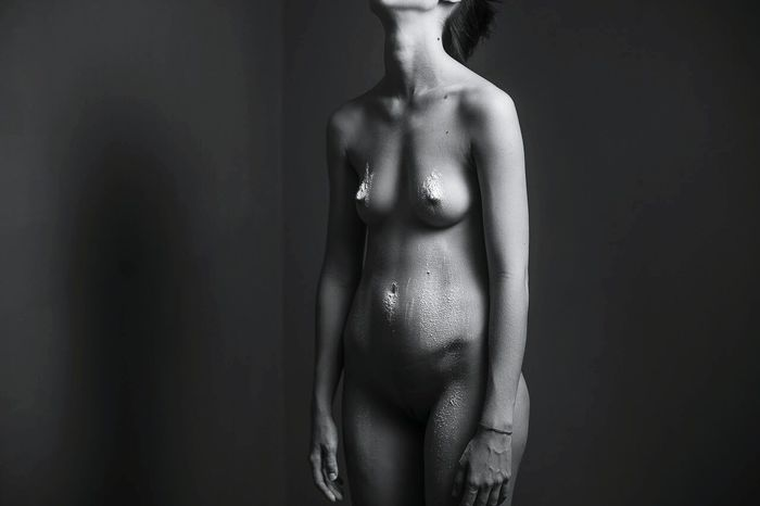 Human Body Part Human Skin One Person Females Nüde Art. Body Curves  Studio Shot Nude-Art Naked_art Nudeshoot Studiophotography Nudeblackandwhite Nude_not_porn One Young Woman Only Nudemodels Nuartapp Adult
