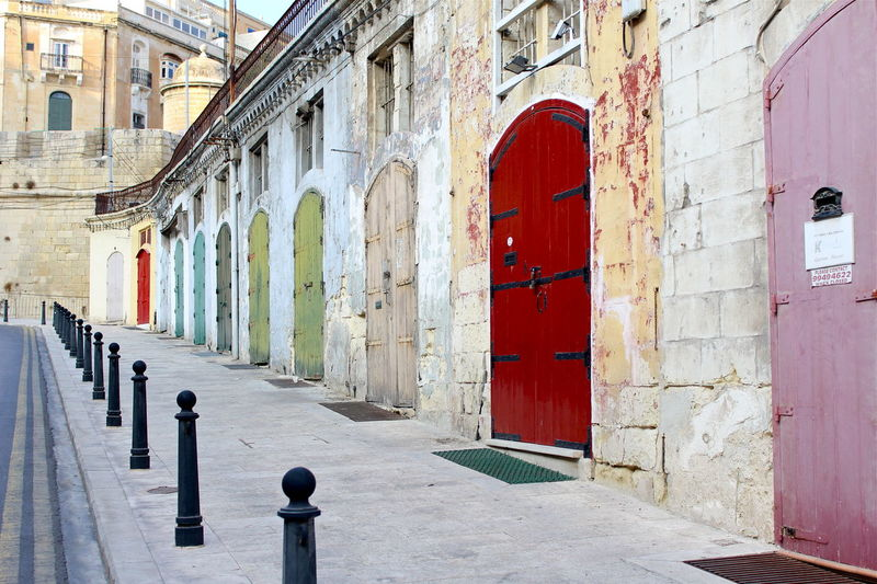 EyeEm Diversity Door Built_Structure Red Day Architecture Outdoors No People Building Exterior EyeEmNewHere City City Life No Filter Canonphotography Canon Colorful Colors Art Is Everywhere Malta Valetta Break The Mold Neighborhood Map Live For The Story The Great Outdoors - 2017 EyeEm Awards The Street Photographer - 2017 EyeEm Awards The Great Outdoors - 2017 EyeEm Awards Let's Go. Together. Your Ticket To Europe Connected By Travel Summer Exploratorium Adventures In The City
