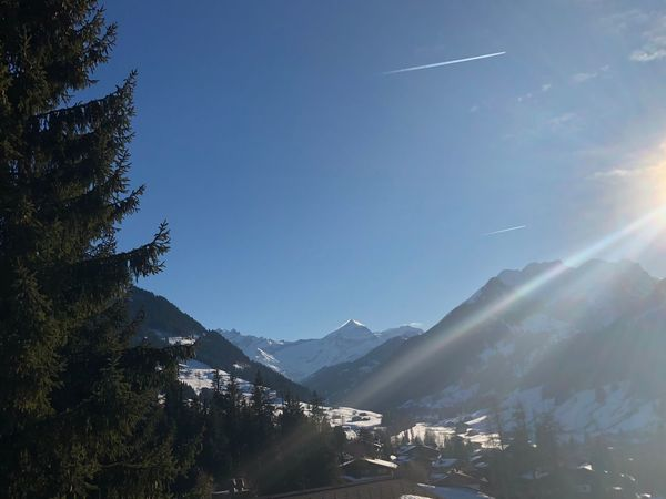 Sun rays I❤️Gstaad Gstaad Bolonieart Bolonie Art Bolonie Style Bolonie Getty Images EyeEmNewHere EyeEm Best Shots Mountain Nature Beauty In Nature No People Outdoors Day Sky Scenics Tree An Eye For Travel