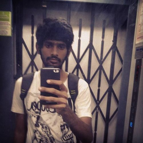 Selfie while stuck on lift Coolpics