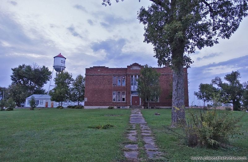 Abandoned Clutier Public School. More photos and historical info here: http://www.placesthatwere.com/2016/09/creepy-abandoned-schools-of-rural-iowa.html