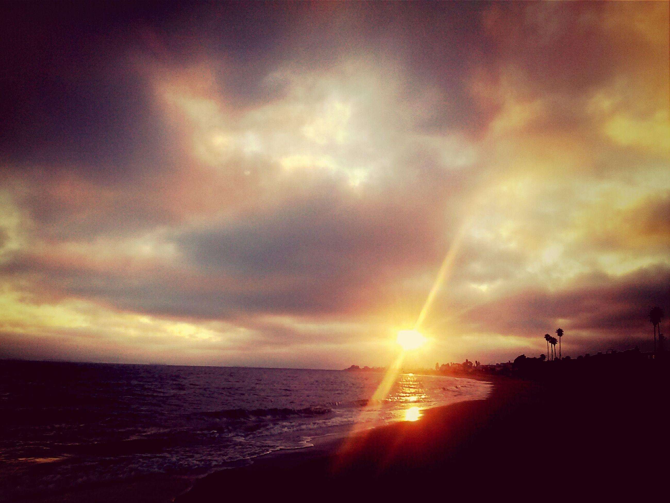 sun, sunset, sea, sky, water, scenics, sunbeam, horizon over water, beauty in nature, cloud - sky, tranquil scene, sunlight, tranquility, idyllic, lens flare, beach, nature, orange color, cloudy, cloud