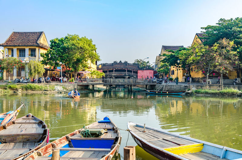 Architecture Building Building Exterior Built Structure Day Lake Mode Of Transportation Moored Nature Nautical Vessel No People Outdoors Plant Reflection Residential District Rowboat Sky Transportation Tree Water Waterfront
