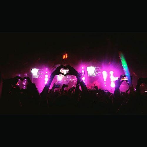 Make some noise,its SUNBURN 2015. Work Hard Play Hard. Sunburn2015 Davidguetta Live Weloveedm Amazinggoa Incredibleindia
