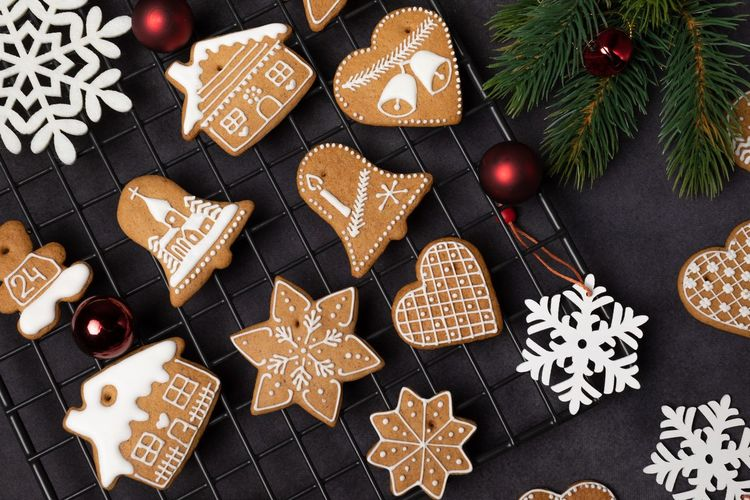 EyeEm Selects Christmas Celebration Star Shape Holiday Shape Decoration Cookie Sweet Food Christmas Decoration Baked Food Tree christmas tree Food And Drink No People Christmas Ornament Gingerbread Cookie
