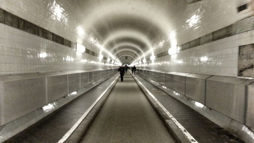 Underwater tunnel, Hamburg (Germany) Tunnel Tunel Hamburg Hamburgo Germany Alemania Deutschland Vanishing Point Punto De Fuga