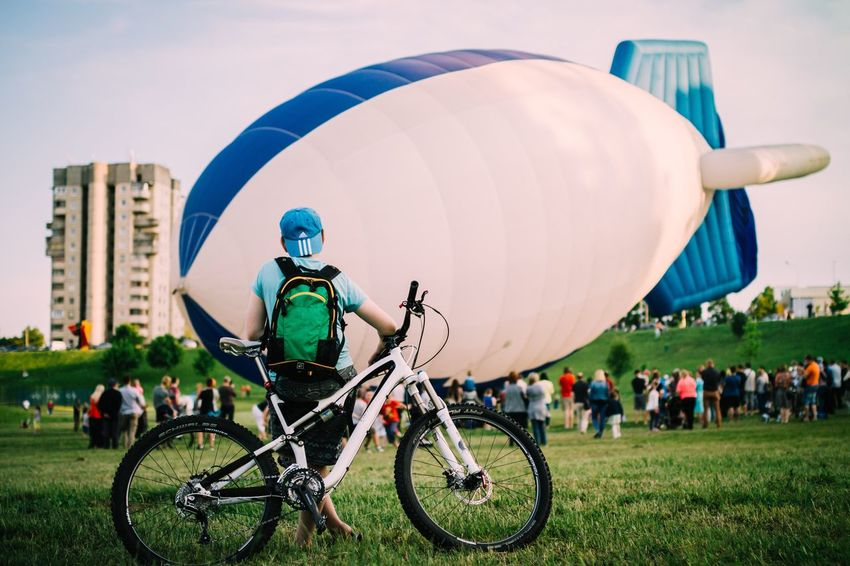 The Street Photographer - 2016 EyeEm Awards The Great Outdoors - 2016 EyeEm Awards The Photojournalist - 2016 EyeEm Awards AirBalloon People Around You Lithuania City Life The Essence Of Summer Air Balloon Bicycle Boy Fiesta