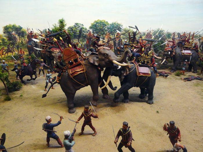 Jumbo Battle War Scenic Human Representations Scenic Battle With Jumbo History Of Thailand King - Emperor AttackRepresentation Combat War Defensive Jumbo Battle In Thailand