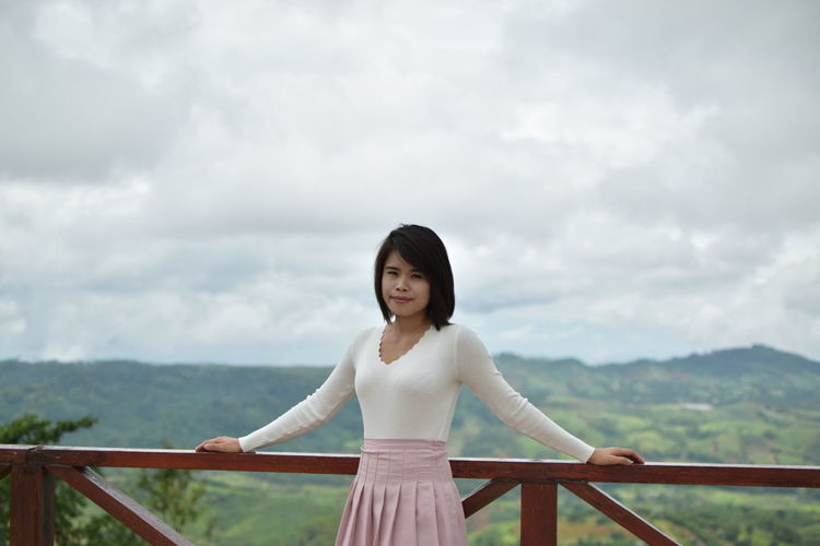 Beatiful View Standing Beatiful Girl Beatiful Woman Cloud - Sky Fog Historic History One Person One Woman Only Potrait Sky Smile