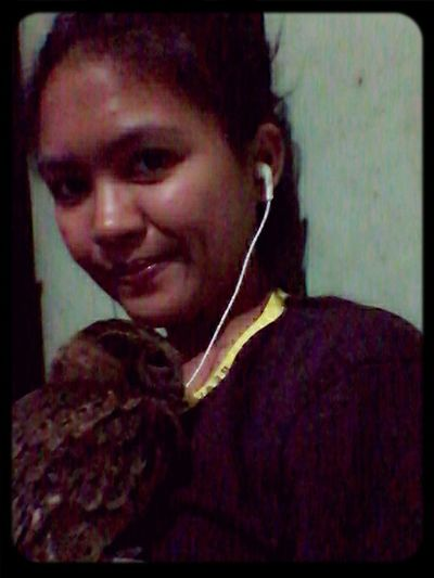 good night and sleep tight from Indonesia.. Me and Bowl ♥ Listening To Music