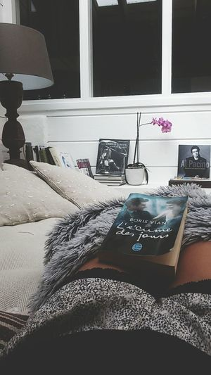 📚 👓 Reading Reading A Book Reading & Relaxing Home Cocooning Lazysunday Morning Lazy Morning Morning Reading