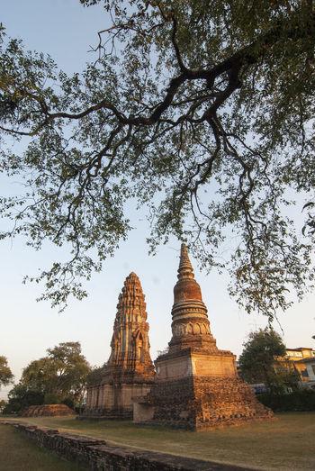Ancient Stupa Ancient Civilization History Lopburi Thailand Lopburi Location No People Place Of Worship Pogoda Religion Spirituality Travel Destinations Tree