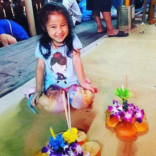 พร้อมลอยกระทงแล้าค๊าาา รอไรอยู่ Instagood Instadaily Instamood Likeforlike Like4like Likes Likeback Follower Follow Photooftheday Holidays Travelgram Fowrevergy Foward Holiday Followme Followwally Photo Foodthai Picture Instadaily L4l Instagood Thailand Girl selfie instagirlpicoftheday