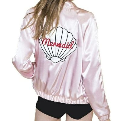 ジャケット セレクトショップレトワールボーテ ボンバージャケット ピンク 海外発送 Jacket Facebookページ Fashiondiarie Internationalshipping Fashionstyles2me レトワールボーテ アウター 秋服 Portrait Blond Hair Studio Shot Standing Human Hand White Background Young Women Abdomen Stomach Hand On Hip Belly Button Hands On Stomach Belly Torso