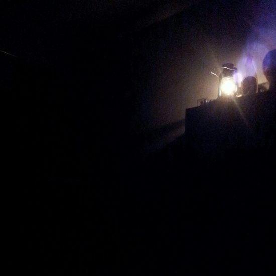 Se corto la luz :( Crepy Luz Oscuro Boy solo night noche summer lampara