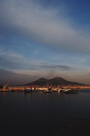 The Minimals (less Edit Juxt Photography) Waterfront Discover Italy / With Ale Travel Destinations Napoli Landscape Sunset Vesuvio Volcano