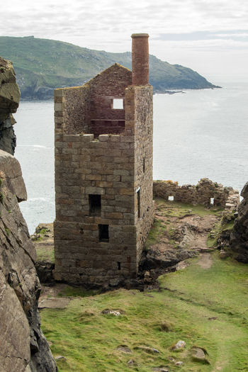 """The Crowns Engine Houses, aka Botallack Tin Mines, Location for the BBC """"Poldark"""" TV Series Tin Mines Cornwall Botallack Botallack Mines Cornwall Cornwall Uk Outdoors Poldark Poldark Location Poldarkcountry Scenics - Nature Sea The Crowns Tin Mine Water"""