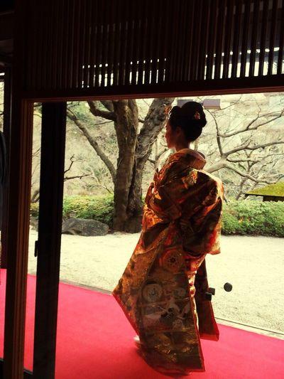 結婚式 着物 和服 庭園 日本髪