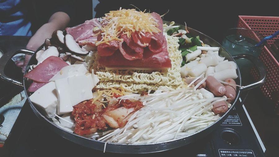 想吃好久的韓朝呀部隊鍋 韓朝 Korean Food