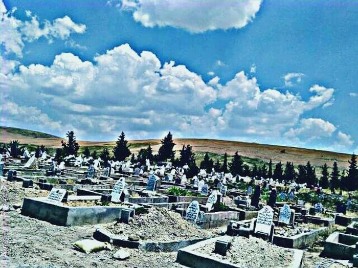 الهم احفظ امهاتنا واجعلهم في ممقام الفرذوس و جميع موتى المسلمين Oh Allah, have mercy on all the dead Muslims 😢㊙