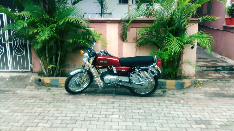 Bikes are awesome Vintage Bike Oldworldstyle Yamaha Rx100 Modified Bike