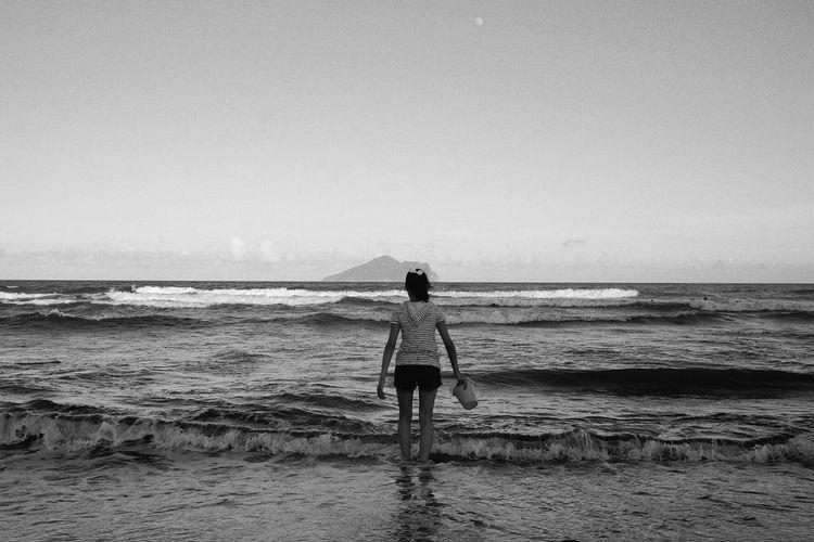 Enjoy the breeze Blackandwhite Monochrome Streetphoto_bw Sea And Sky