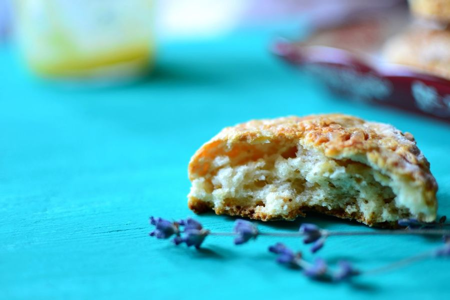 Apple and cheddar cheese scones Home Baked Foodphotography Dessert Sweet Food Food Home Dried Flowers Freshly Baked Lemon Curd Traditional Food Scones Food Photography Baked Bright Colors 24894 Appetizer Wooden Tabletop Food Stories
