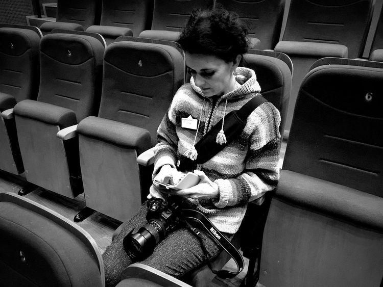 Photographer's Short Break Wejherowo 5 December 2015 IPhoneography Iphone 6 Plus Bnw Bnw_collection Streetphotography Streetphoto_bw Theater Wejherowo Poland Woman People The Photographer EyeEm Masterclass EyeEm Best Shots