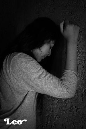 Sentiments Batle Woman Dolor Sufrimiento Portrait Of A Woman Portrait