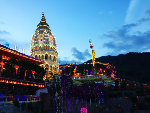 Kek Lok Si during Chinese New Year Faith&devotion Chinese Temple Decoration Chinese Temple Temple Kek Lok Si Temple Penang Kek Lok Si Chinese Temple Malaysia Penang Bright Lit Bright Chinese Festivals Chinese New Year Celebration Chinese Celebrations Building Exterior Sky Architecture Built Structure Illuminated Decoration Building Low Angle View Cloud - Sky Multi Colored Celebration No People Travel Destinations Night City Christmas Lights Outdoors