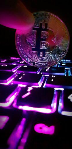 Bitcoin Investment Bitcoins Digital Currency Cryptocurrency Bitcoin Coin Bitcoin Human Hand Bitcoin Token Technology Illuminated