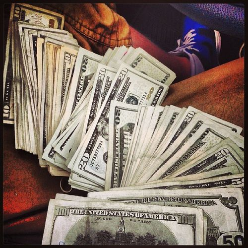 Did a couple features today lol....damn it aint even 4 pm...oh shit its Friday to StackorStarve Boss Getmyown nohandouts letemfly I represent them trapboyz LiveItEntertainmentGroup