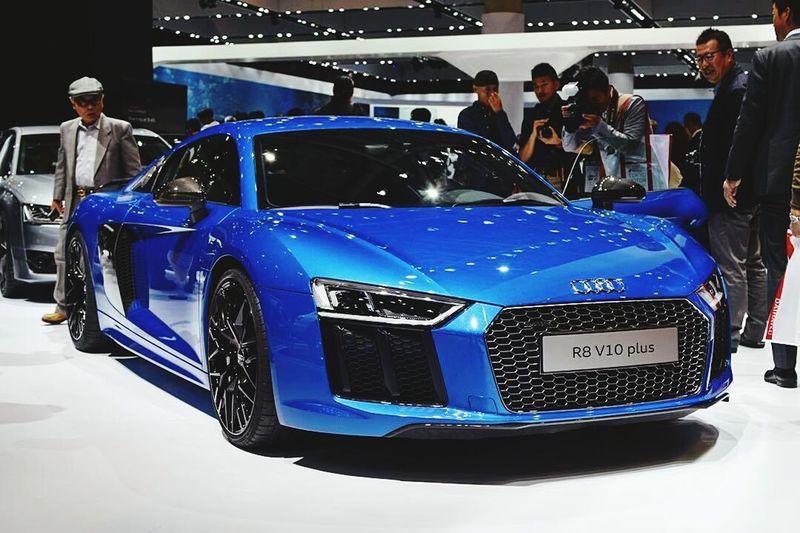 Audi R8 V10 Plus In TOkyo Motor Show a Koto Japan