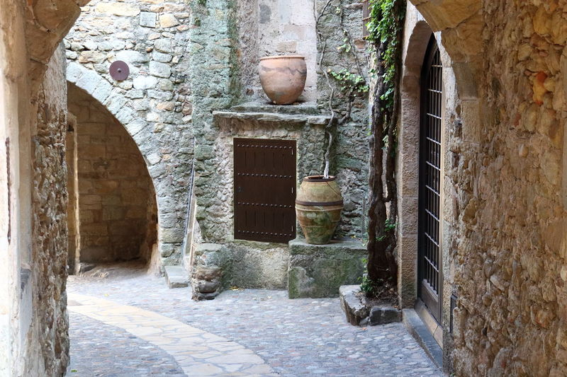 Antico portico Ancient Amphora Ancient Architecture Anfora Architecture Bowling Alley Building Exterior Built Structure Day Medieval Medieval Architecture No People Outdoors Portici Street Walls Second Acts Be. Ready.