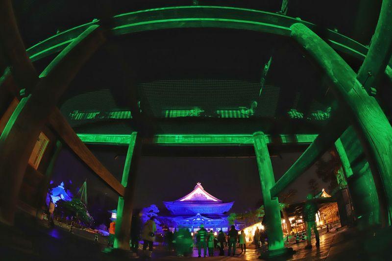 善光寺のライトアップやってます😆 善光寺 (zenko-ji Temple) 長野灯明まつり 一目惚れんず Night Arts Culture And Entertainment Popular Music Concert Music Illuminated Architecture Outdoors
