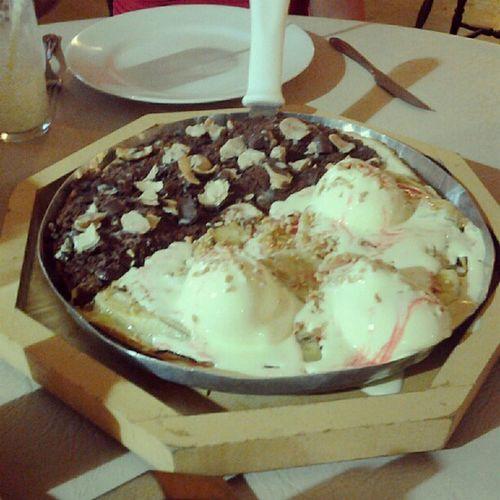 Partindo pra sobremesa... Pizzadoce Bananasplit SonhoDeValsa Delicious Loved Nice Good Food Statigram Instagram Like