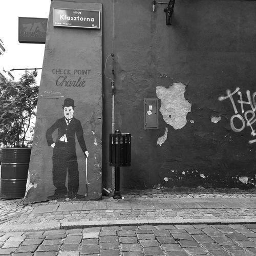 Poznań Poznań Poland Polska Poland Blackandwhite Vscogood VSCO Vscocam Blackandwhite Photography Black&white Streetphoto_bw Bnw Hanging Out