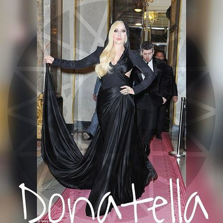 @fashion.rave @lady_fucking_shady @ladygaga @ladygaga_03 @ladygaga_004 @gagzz_monster @mother_little_monster_ Ladygaga_wearing_yousef_aljasmi LG5 Ladygaga Ladygaga_03 ArtPop Applause Venus Guy DONATELLA Gaga Gagzz_monster