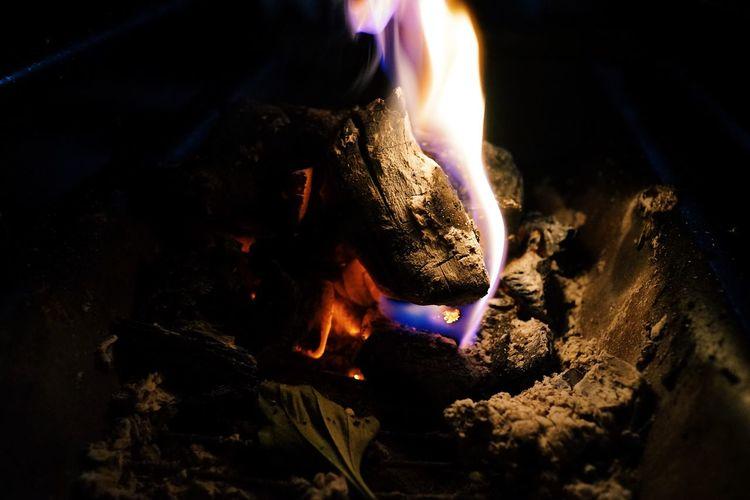 炭と炎🔥 Burning